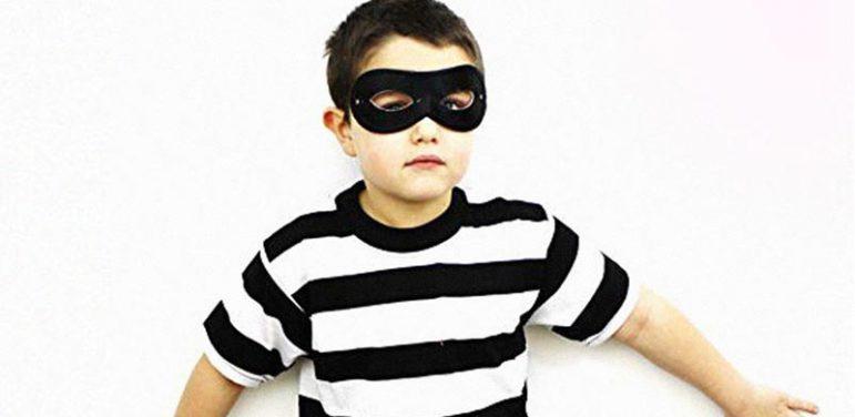 چگونه با دزدی کردن کودک برخورد مناسبی داشته باشیم؟